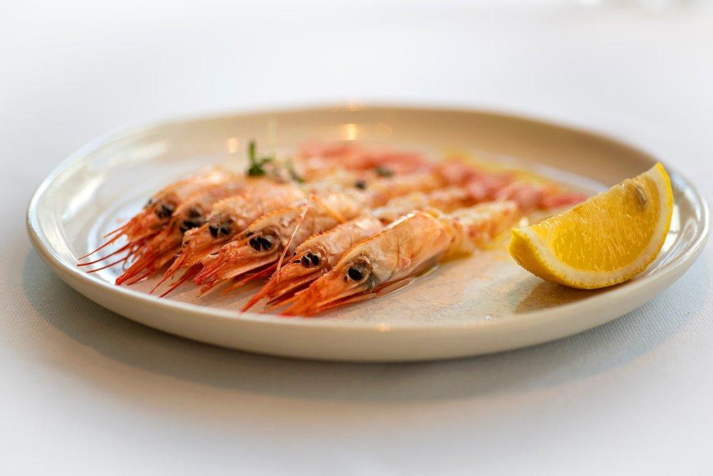 Сладкие креветки в Cafe Milano, вымя и кости в гастрокафе «Тот еще гусь», японский стритфуд в Hachico