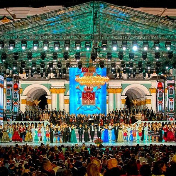 Концерт «Классика на Дворцовой» на День города