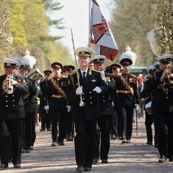 День Победы в Петергофе