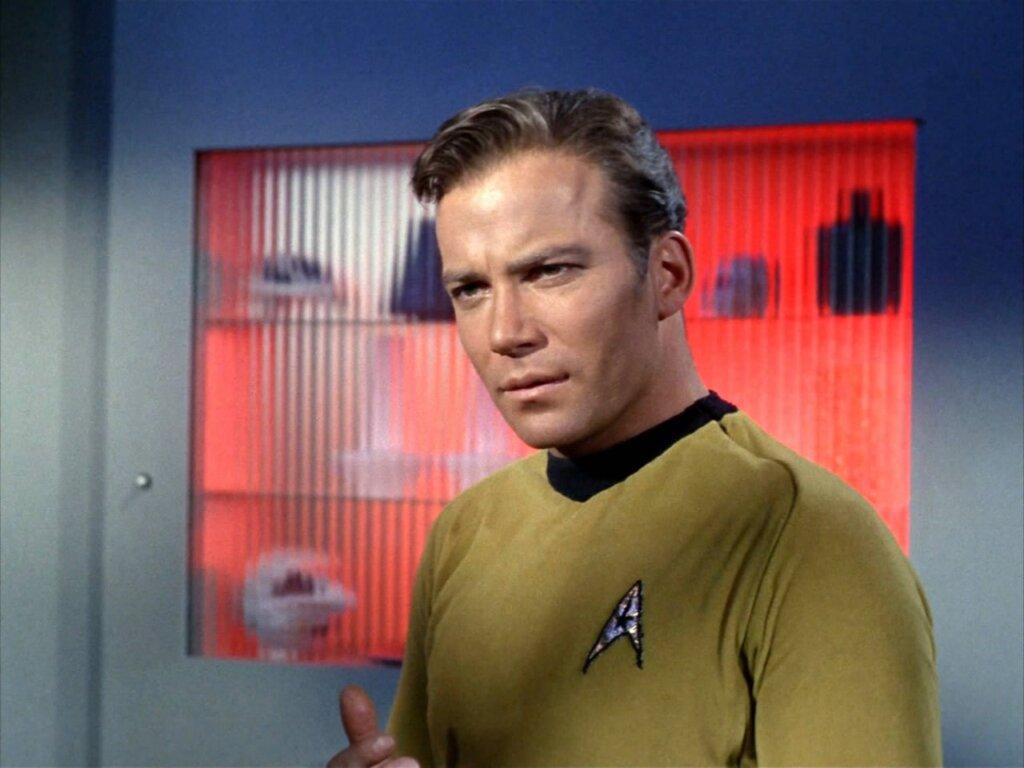 Джефф Безос отправил в космос 90-летнего капитана Кирка