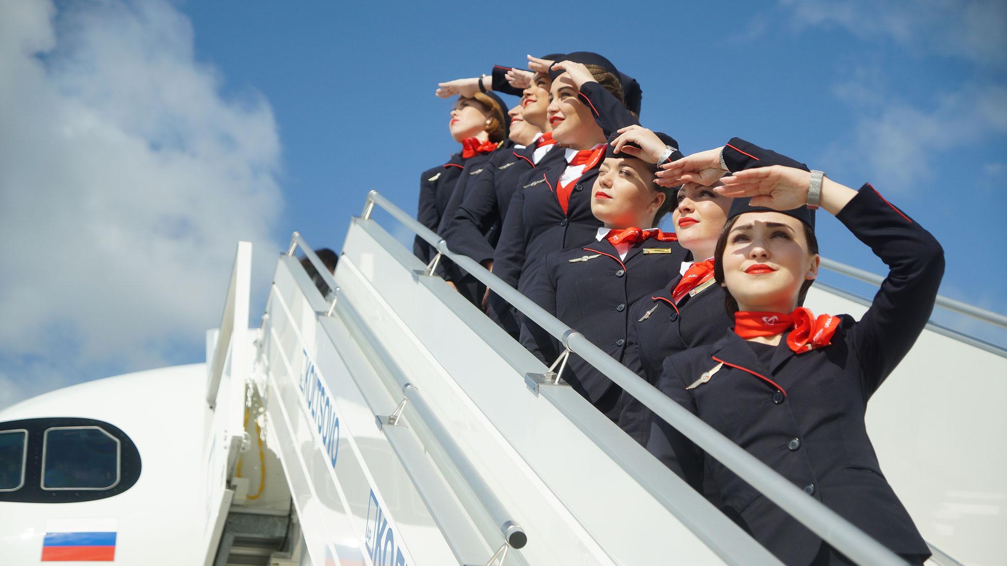 Провезти лыжи можно на самолетах любой российской авиакомпании, главное — заранее ознакомиться с условиями перевозки негабаритного багажа.Фото: Алексей БУЛАТОВ, «КП»-Екатеринбург»