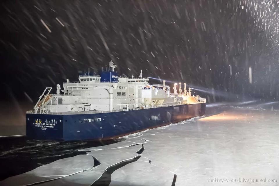 В новый порт Сабетта зашел первый арктический танкер-газовоз «Кристоф де Маржери». Фото Дмитрия Лобусова dmitry-v-ch-l.livejournal.com