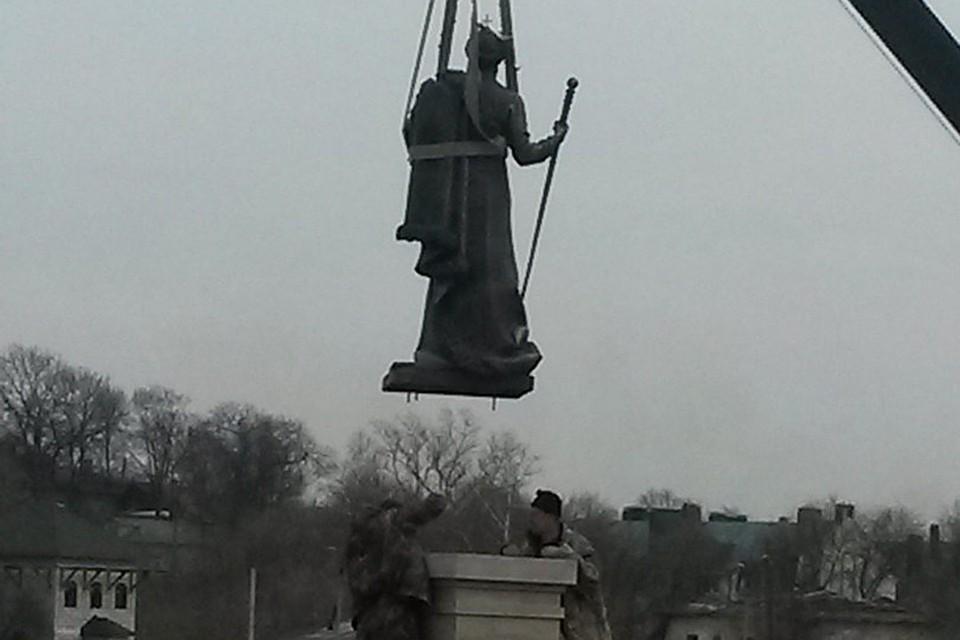 Памятники из гранита фото и цены у самого моря Ковров изготовление памятников в калуге цены фото