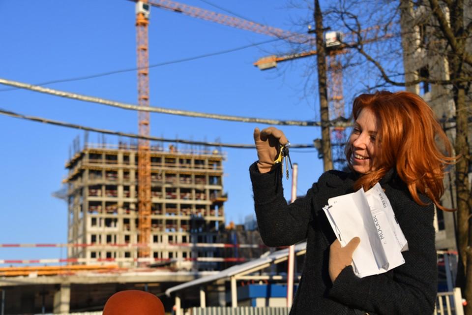 Несмотря на кризис, россияне стали активно покупать недвижимость.