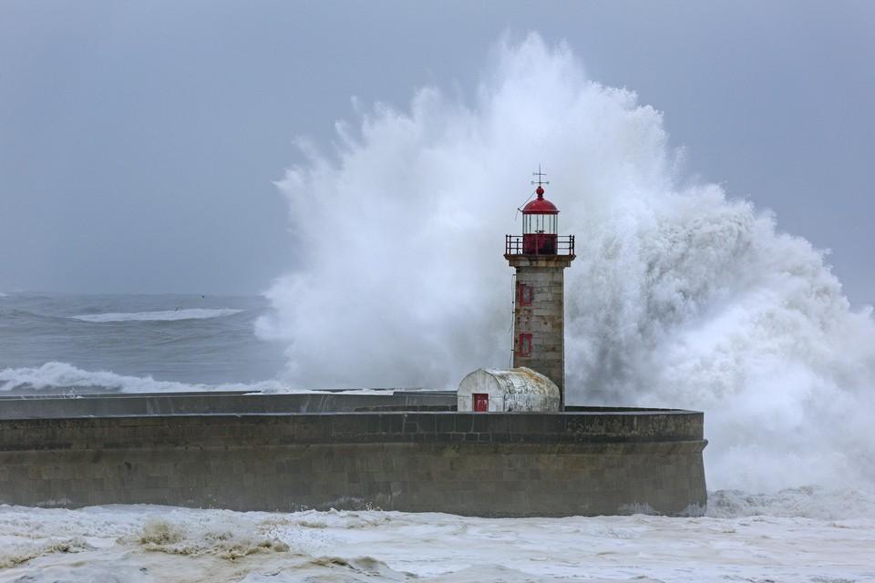 Погода преподносит жителям Земли один неприятный сюрприз за другим.