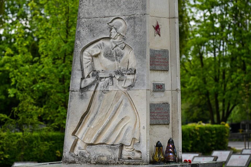 Воронеж памятники великой отечественной дешевые на памятник высоцкому в москве на ваганьковском кладбище