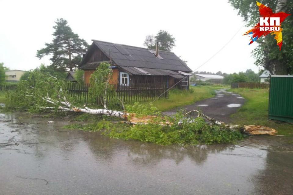 По Нижегородской области пронеслись две волны урагана.