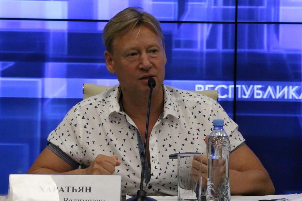 Дмитрий Харатьян приехал в Крым организовать фестиваль детского кино в Евпатории.