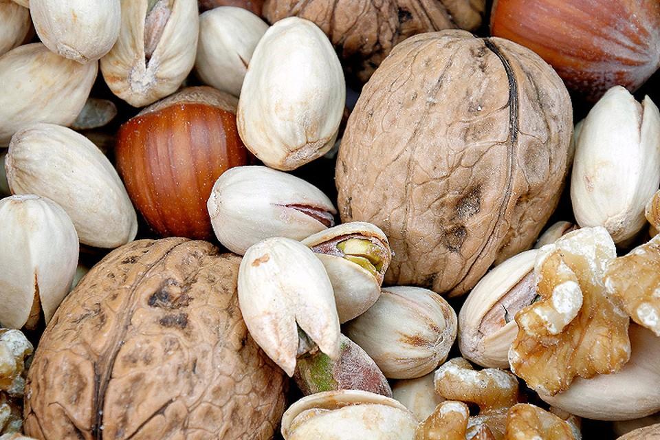 Орехи - продукт достаточно полезный, хотя часто его пользу недооценивают.