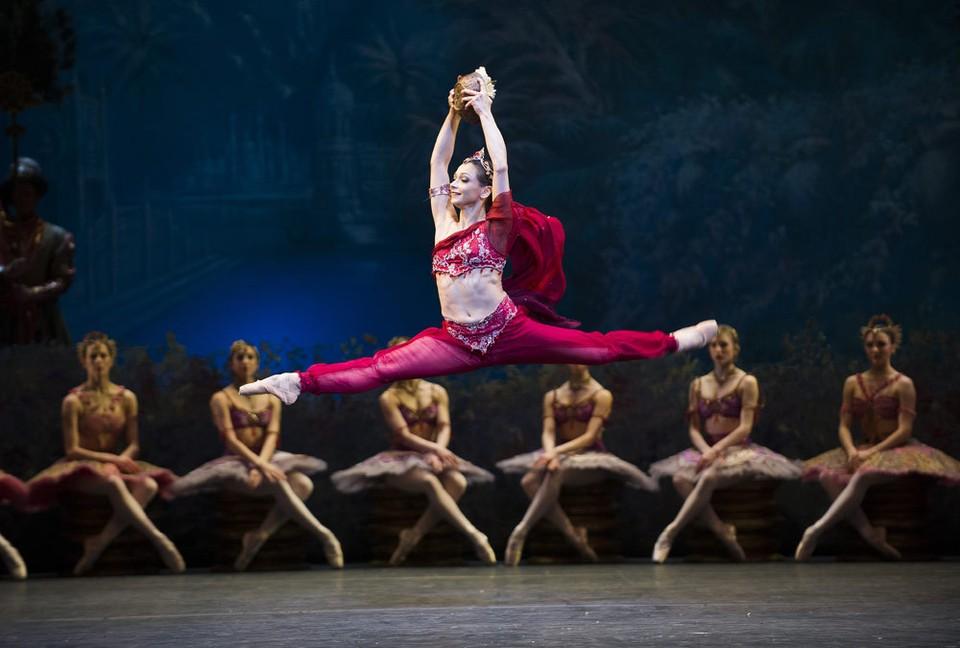 """""""Баядерка"""" - жемчужина классического балета - будет представлена на суд сыктывкарского зрителя фото: www.Dancetabs.com"""