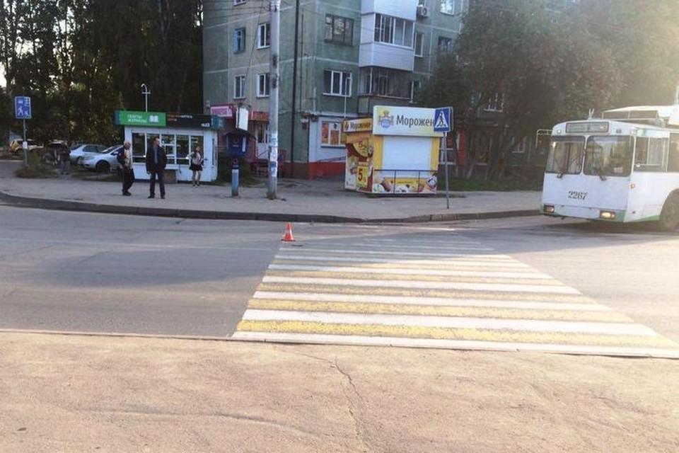 Мальчик попал под машину на пешеходном переходе. Фото: УГИБДД по Новосибирску