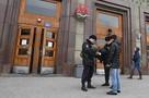 В Москве полиция ищет неизвестного, прострелившего мужчине голову в метро