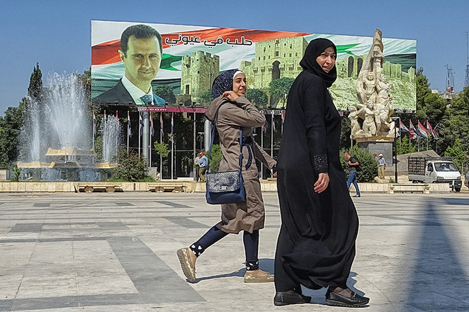 """Журналист """"Комсомольской правды"""" Алексей Овчинников побывал в сирийском городе Алеппо, который постепенно возвращается к мирной жизни."""