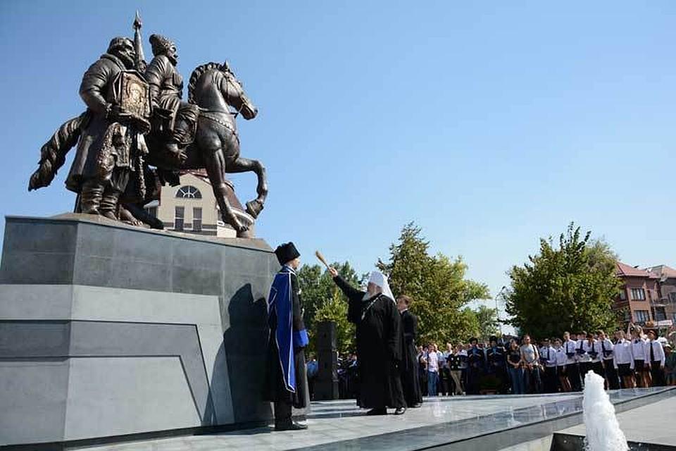 В цена на памятники омск официальный сайт камень для памятники цена тула