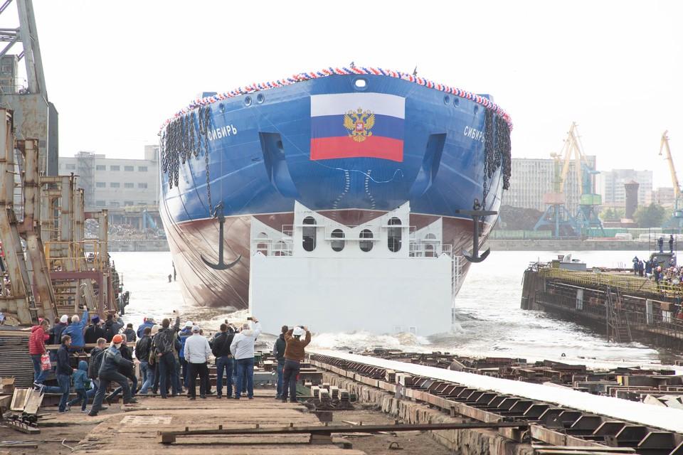 """Ледокол """"Сибирь"""" будет осваивать Северный морской путь."""