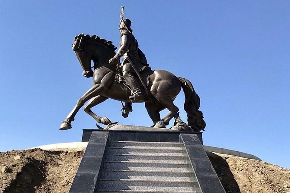 Памятник отцу в городе эссен памятники из гранита установка от производителя
