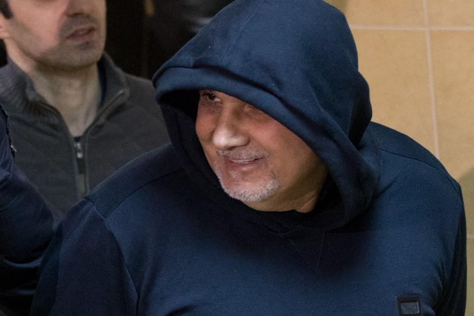 В Никулинском суде Москвы рассматривается уголовное дело, фигуранты которого обвиняются в вымогательстве. Главный из подельников — Захарий Калашов.