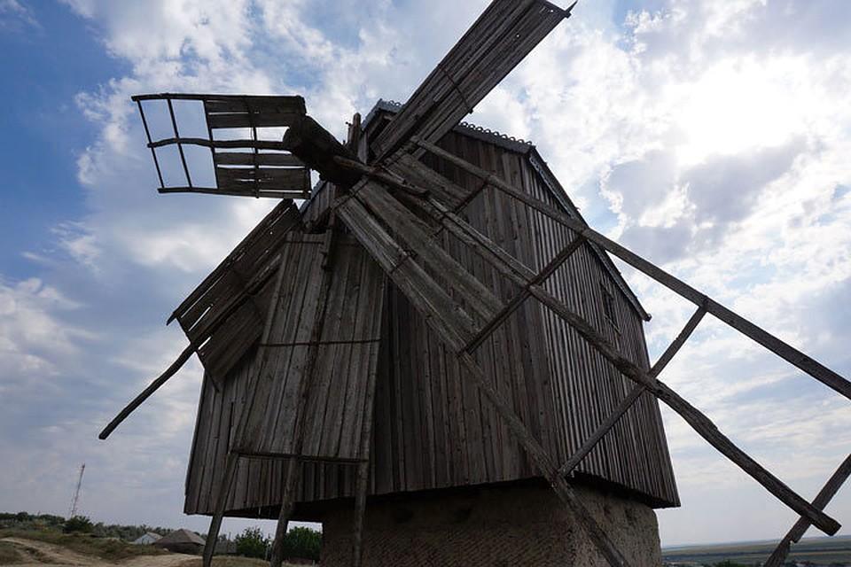 Такая мельница - единственная на всю Молдову.
