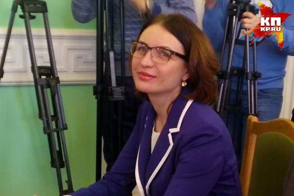 Оксана Николаевна играла в волейбол и написала кандидатскую диссертацию