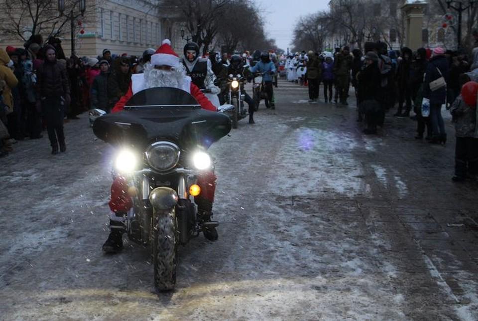 Дед Мороз уже в пути - Новый год не за горами.