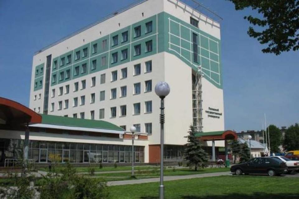 Фото с сайта polessu.by Из-за сообщения о минировании здания из ПолесГУ эвакуировали более 200 человек