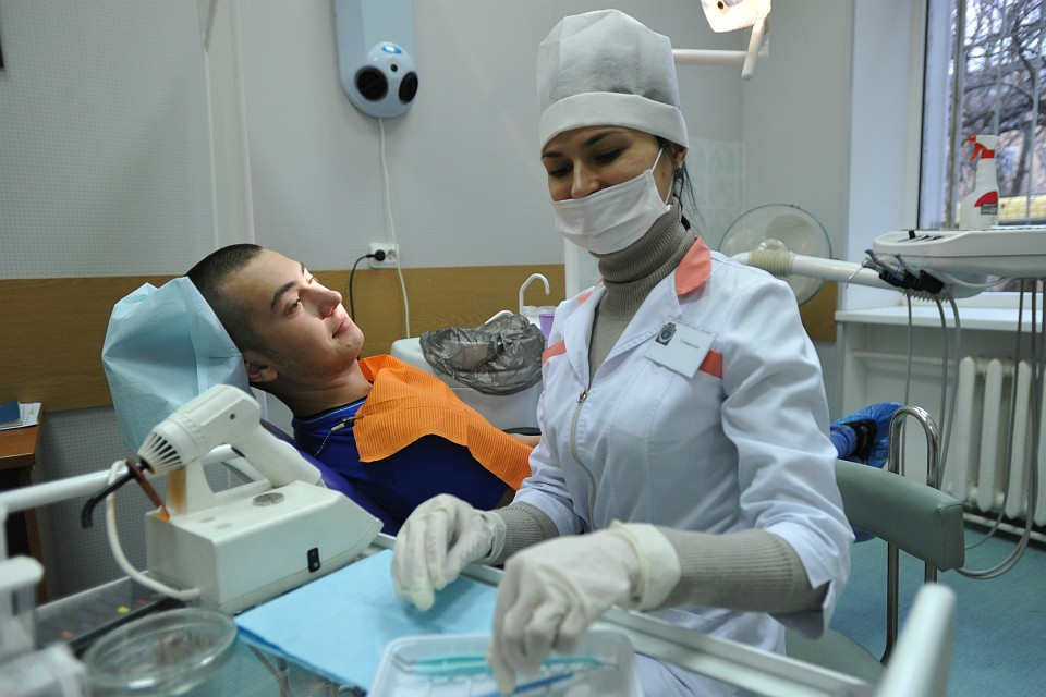 Как познакомиться с девушкой она зубной врач поздравление год со дня знакомства