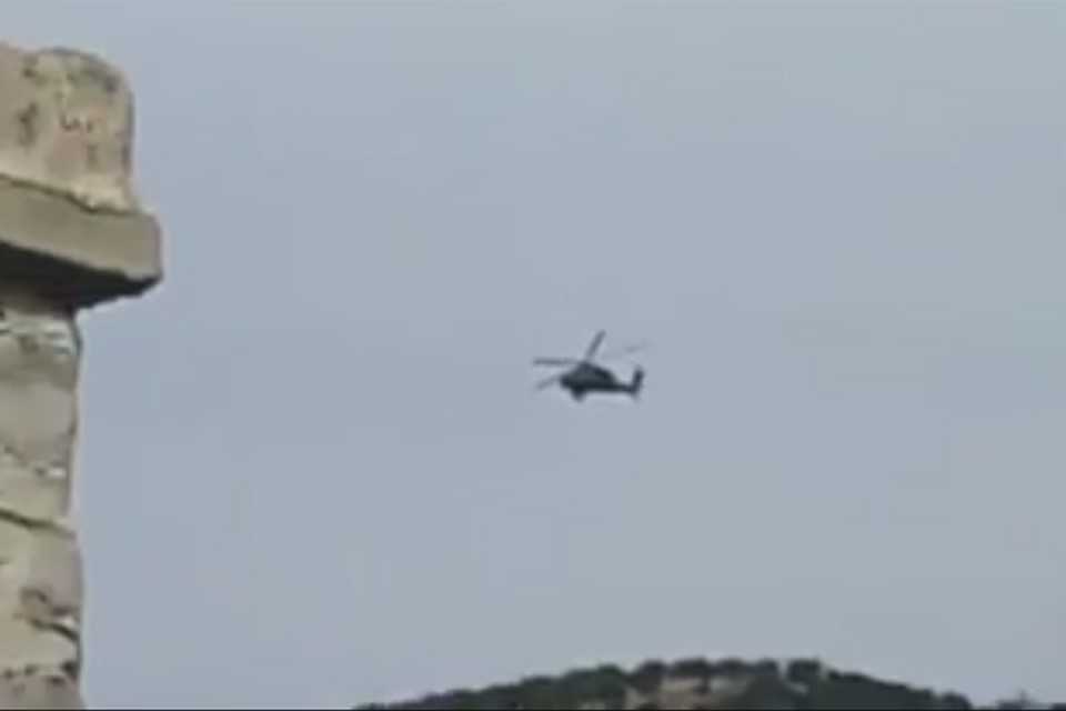 Момент падения вертолета попал на видео