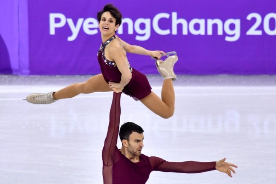 Канадская фигуристка Меган Дюамель в паре с Эриком Рэдфордом стала обладательницей золотой медали в командном турнире Олимпийских игр в Пхенчхане