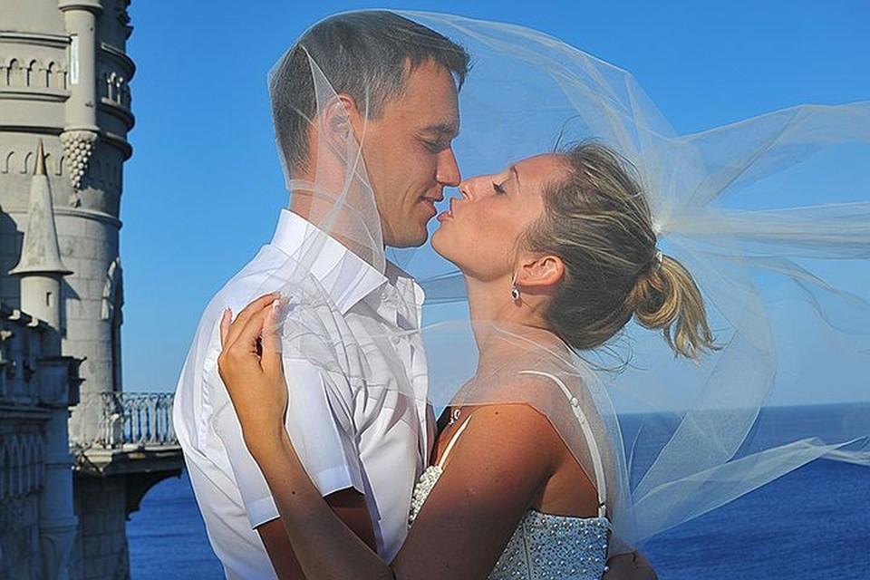 Зачем россиянки выходят замуж за иностранцев?