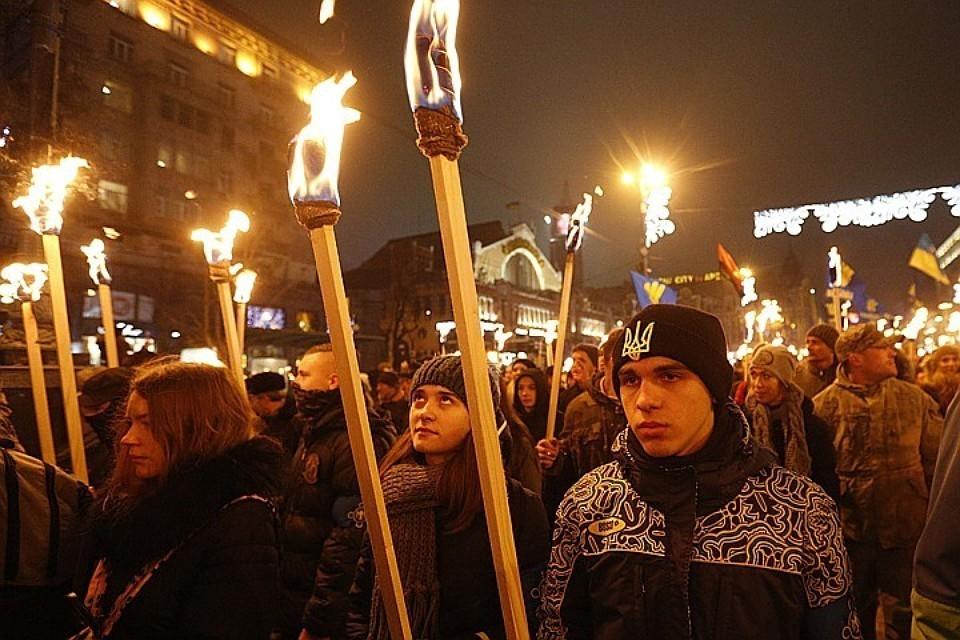 Факельный марш в честь дня рождения Бандеры в Киеве.