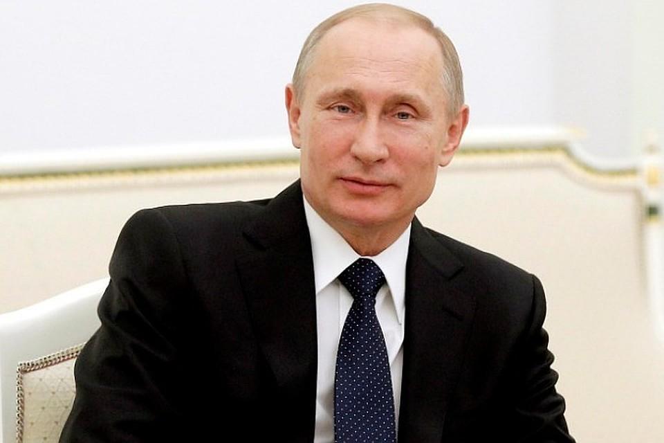 Путин процитировал стихотворение Дементьева в честь женщин