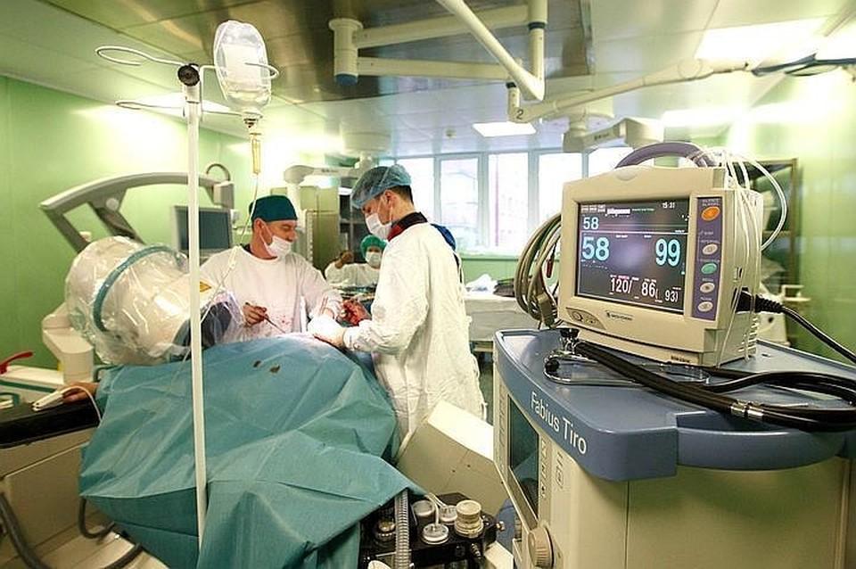 Однако директор частной клиники уверял, что ошибки во время операции не было.