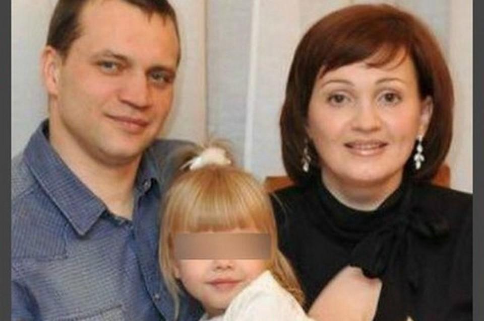 """В Кемерове простились с семьей Бахаевых, которые погибли в """"Зимней вишне"""""""