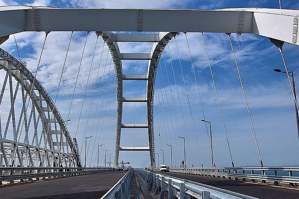 В Киеве назвали Крымский мост украинским и поблагодарили Бога за его создание