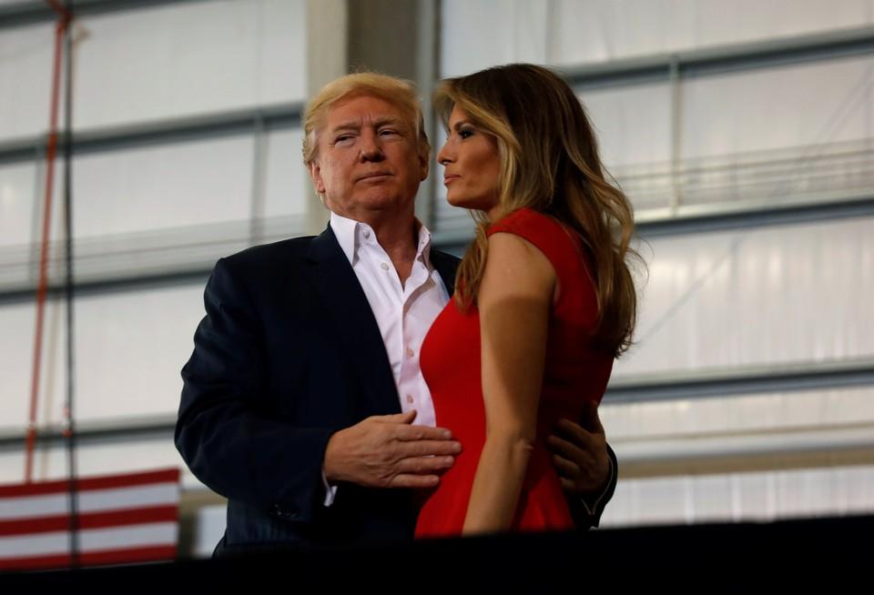 Первая леди Меланья Трамп не будет сопровождать президента США Дональда Трампа в ближайших поездках