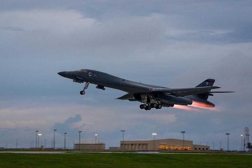 Стратегический бомбардировщик B-1B Lancer ВВС США