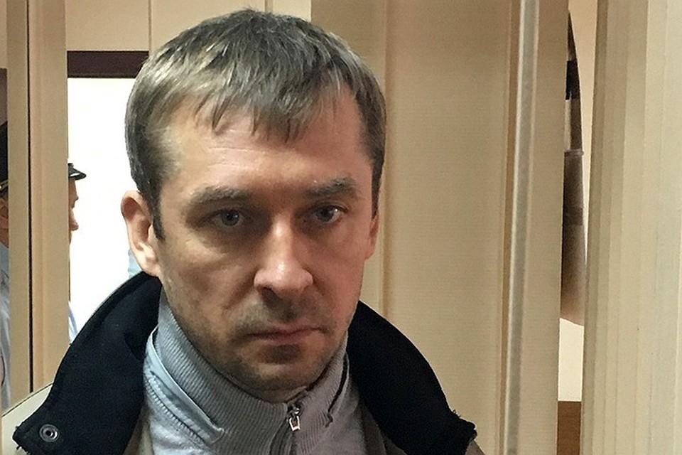 На прошлой неделе следователи СК России завершили расследование трех эпизодов о взятках экс-полковника Дмитрия Захарченко
