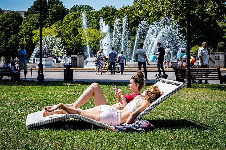 Жаркое солнечное лето в столице продолжается