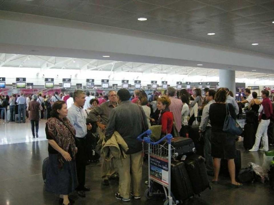 Наплыв туристов в аэропортах Кипра