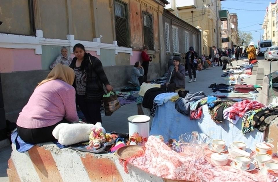 7a6179bcf757 Стыдно за город  Жительница Ростова-на-Дону требует ликвидировать блошиный  рынок на ул. Станиславского