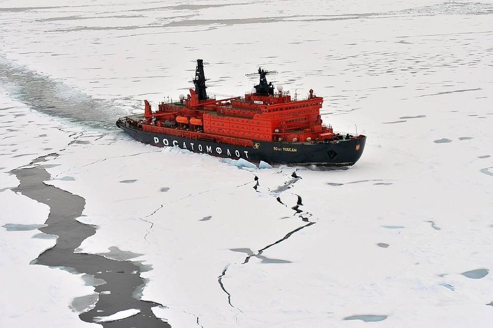 Ограничение прохода судов иностранной постройки по Северному морскому пути планируется ввести с 1 января 2019 года. Фото: Лев Федосеев/ТАСС