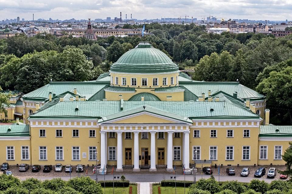 В этом году на форуме ожидают приезда Лилиан Мари Паскье – нового председателя Парламентской ассамблеи Советы Европы (ПАСЕ).