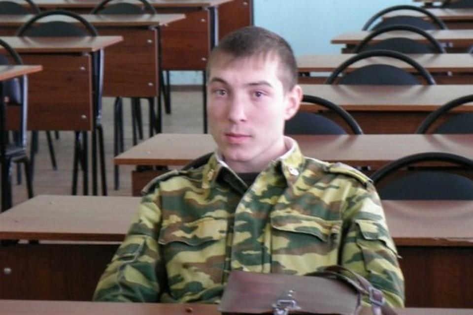 Сергей мечтал стать летчиком