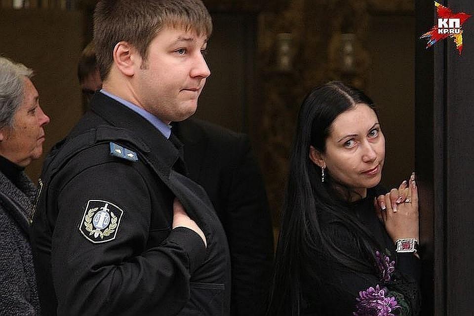 Анжела-Мария Цапок во время заседаний, на которых судили ее мужа