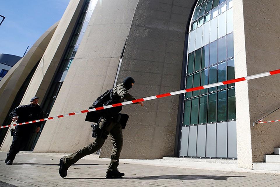 Немецкие правоохранительные органы предполагают, что подозреваемые планировали свергнуть действующую власть в Германии