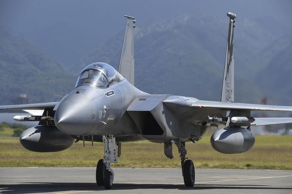 Истребитель F-15C Eagles ВВС США