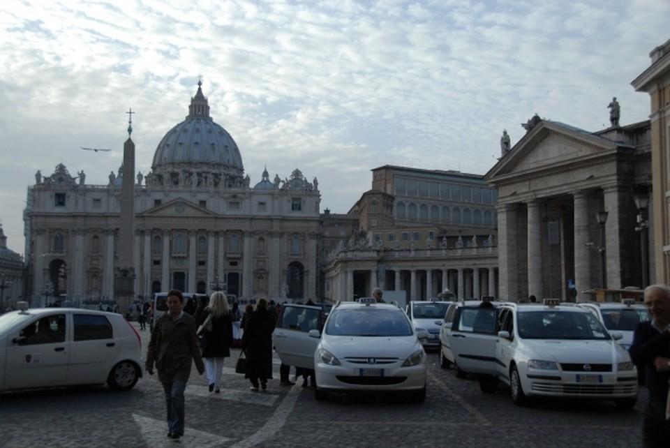 Ватикан не станет поддерживать отношения с неканоническими православными церквями на Украине