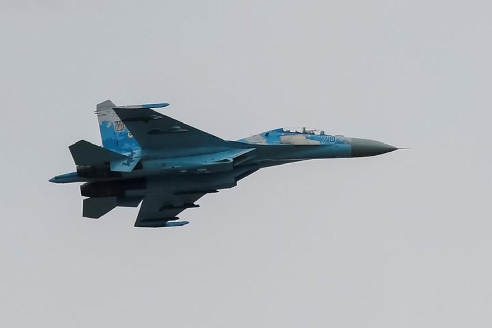Самолет Су-27 украинской армии