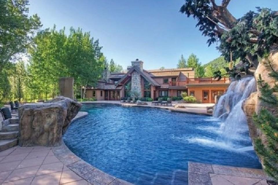 Брюс Уиллис продал дом за 5,5 млн долларов. ФОТО: https://www.kxly.com/news/actor-bruce-willis-sells-his-idaho-home/809614451?utm_medium=social&utm_source=twitter_kxly4news