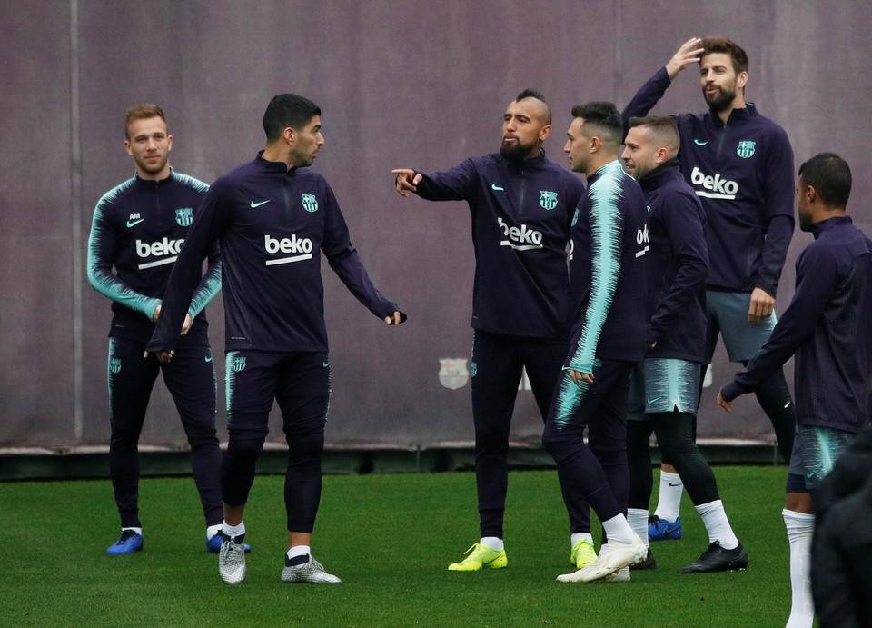 """Луис Суарес будет в атаке """"Барселоны"""" в матче против """"Реала""""."""